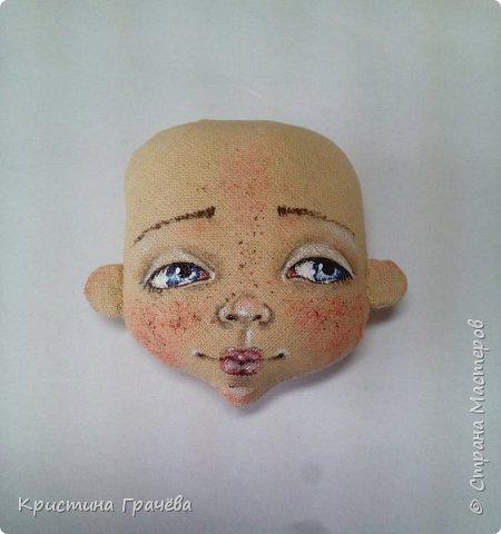 Здравствуйте! Вот собралась я с силами и сделала мастер-класс по созданию текстильной куклы. Надеюсь вам будет интересно. Материалы для работы: Ткань. Синтепух. Нитки. Краски акриловые. Кисть тонкая. фото 10
