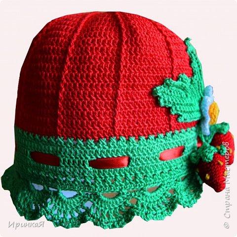 Такую яркую шапочку вязала летом для маленькой модницы фото 1