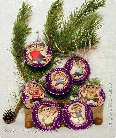 Добрый вечер! Медальоны из фетра на елку с изображением символа наступающего года - Обезьянки. Диаметром около 12 см. фото 1