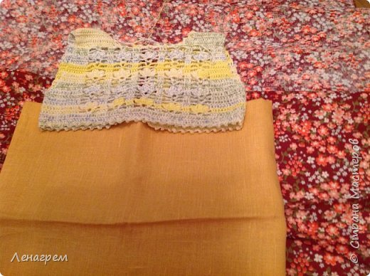 Здравствуй, страна! В подарок подружке из Страны Мастеров создалось платье для ее доченьки. Платье детское на 3 года,в работе использовались нитки хлопчатобумажные, ткань льняная. Вот что получилось в результате работы: фото 8