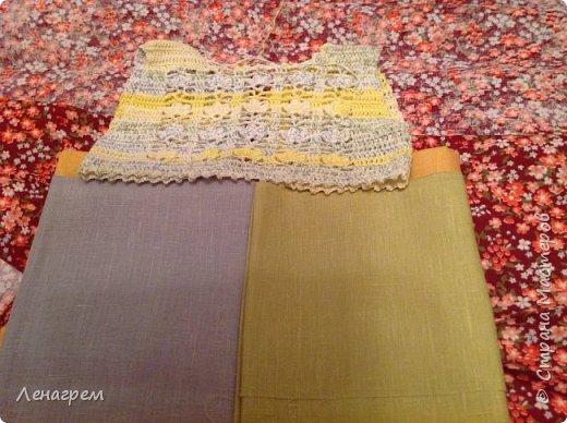 Здравствуй, страна! В подарок подружке из Страны Мастеров создалось платье для ее доченьки. Платье детское на 3 года,в работе использовались нитки хлопчатобумажные, ткань льняная. Вот что получилось в результате работы: фото 9