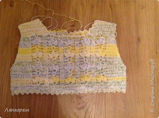Здравствуй, страна! В подарок подружке из Страны Мастеров создалось платье для ее доченьки. Платье детское на 3 года,в работе использовались нитки хлопчатобумажные, ткань льняная. Вот что получилось в результате работы: фото 4