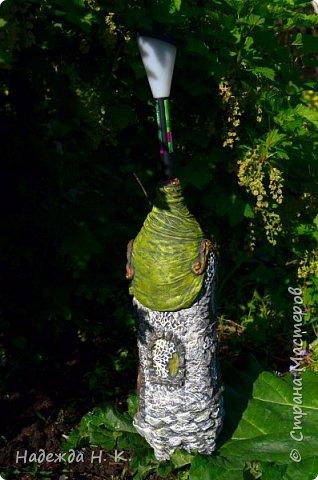Ландшафтный дизайн Мастер-класс Папье-маше Садовый фонарик Домик  Бумага Бутылки пластиковые Капрон Краска Материал бросовый фото 2