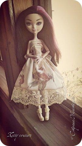 Всем привет!Я наконец решила показать платье Марты.Фото были сделаны в разное время(в конце апреля,в начале июня, но выложить их решила только сейчас). фото 2