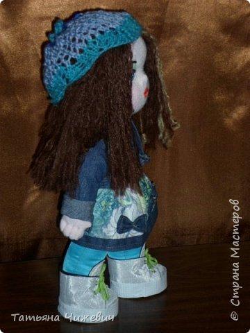 Выкройку тельца рисовала сама.Голова сделана на основе вальдорфской куклы.Ручки,ножки подвижные.Одежка снимается фото 2
