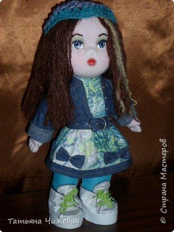 Выкройку тельца рисовала сама.Голова сделана на основе вальдорфской куклы.Ручки,ножки подвижные.Одежка снимается фото 1