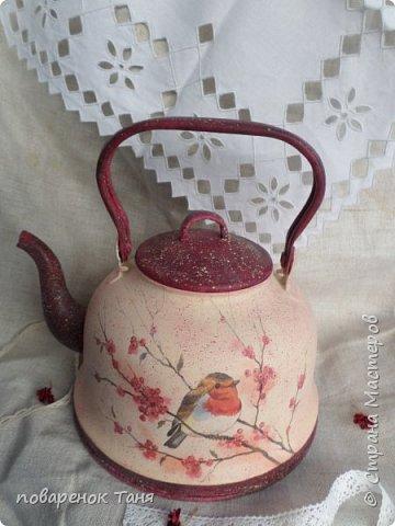 Здравствуйте, дорогие Мастера и мастерицы! Я к вам со своей новой работой - переделкой старого чайника.