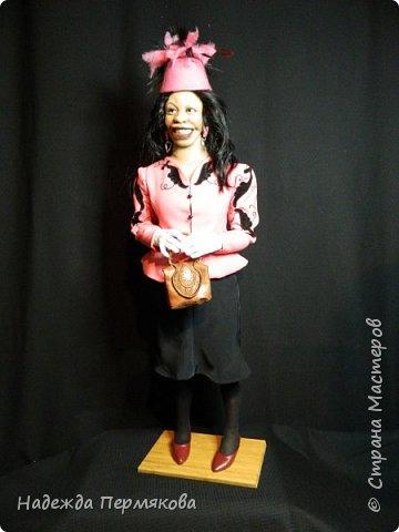 """Текстильная куколка """"Вупи"""" персонаж фильма """"Призрак"""" (очень люблю этот фильм) размер 70 см. Наполнитель синтепон, проволочный каркас, колготочный материал, волосы натуральные. фото 3"""
