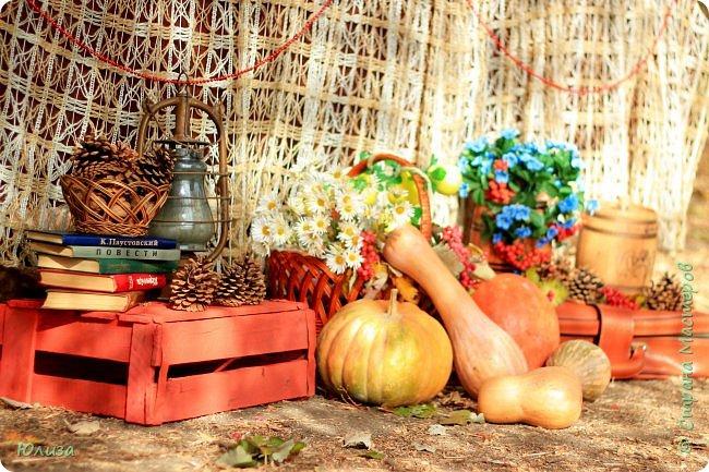 Осенние поделки для домашнего декора и фотосессии. Украшайте свою осень!И не важно какая за окном погода,небольшая ваза сделанная своими руками,или яркие осенние подсвечники наполнят теплом и уютом ваш дом!  Осень не время для грусти! Осень пора для идей! Осень нам дарит подарки, Радуя близких, друзей!  Мне же дает вдохновение… С радостью что то творю! И вам скажу без сомненья- Осень за это люблю!!! Юля   Фотографии Натальи Чередниченко  фото 6