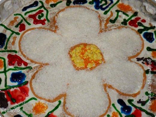 """Такой торт приготовила на технологии ученица 8 класса - Полина! Ромашка - символ семьи, любви и верности! Как хорошая хозяйка, она понимает, что женщина в семье должна хорошо готовить и кормить свою семью! И на день рождение и на любой праздник нужно уметь самой """"сматерить"""" вкусный тортик! фото 7"""