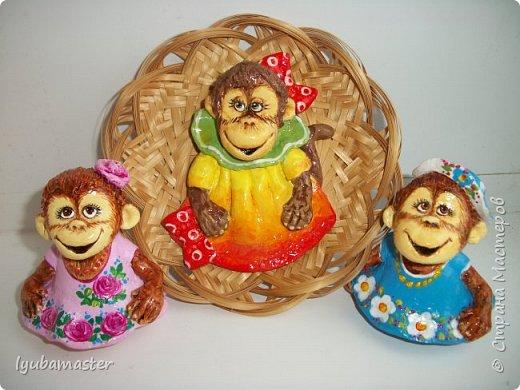 """Здравствуйте дорогие мастера. Снова я к вам с обезьянками.....Новый год впереди, вот и леплю.  Размеры  7-8 см. Краски- акрил, акварель.Лак аэрозольный """"ВOSNY"""". фото 1"""