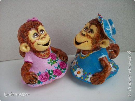 """Здравствуйте дорогие мастера. Снова я к вам с обезьянками.....Новый год впереди, вот и леплю.  Размеры  7-8 см. Краски- акрил, акварель.Лак аэрозольный """"ВOSNY"""". фото 4"""