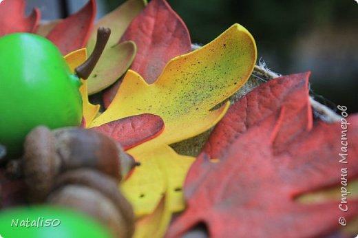 Доброго вечера всем!!! Делюсь своими поделками,которые делала для игры-обмена.. Первый раз сделала подобное панно..Листья из фоамирана,еще использовала природный материал-желуди,шишки.. фото 2