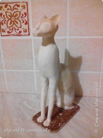 """Здравствуйте, это мой дебют в """"Стране мастеров"""". Очень мне нравились эти египетские кошки, что захотелось сделать одну для себя. Баст или Бастет — в Древнем Египте богиня радости, веселья и любви, женской красоты, плодородия и домашнего очага, которая изображалась в виде кошки или женщины с головой кошки. фото 8"""