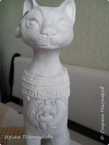 """Здравствуйте, это мой дебют в """"Стране мастеров"""". Очень мне нравились эти египетские кошки, что захотелось сделать одну для себя. Баст или Бастет — в Древнем Египте богиня радости, веселья и любви, женской красоты, плодородия и домашнего очага, которая изображалась в виде кошки или женщины с головой кошки. фото 17"""