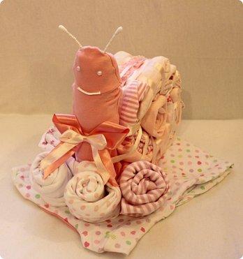 Мастер-класс Упаковка День рождения Моделирование конструирование Подарок новорожденной Улитка из детской одежды фото 1