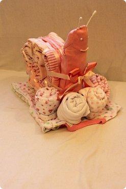 Мастер-класс Упаковка День рождения Моделирование конструирование Подарок новорожденной Улитка из детской одежды фото 15