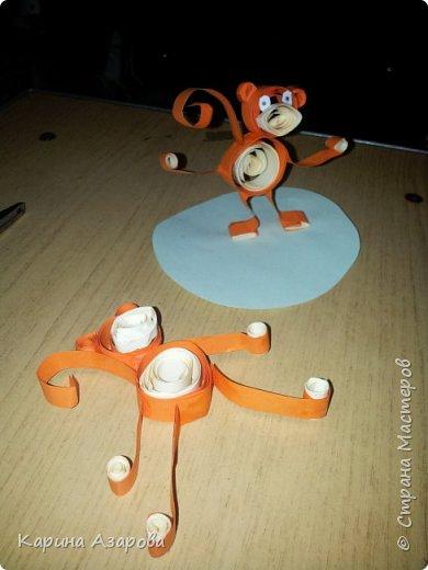 Здравствуйте! Сегодня я покажу вам как сделать обезьяну.  Нам нужно: Полоски для квиллинга  Ножницы Клей фото 13