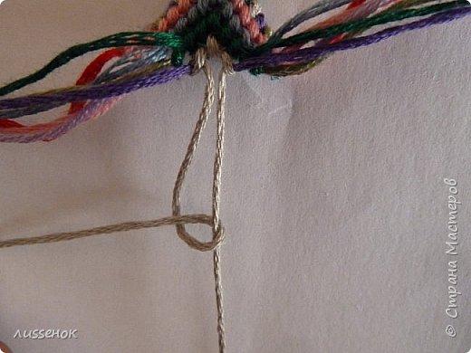 Хорошего всем настроения жители Страны Мастеров! Сегодня я хочу рассказать о плетении классической фенечки - конфетки из 16 нитей. фото 18