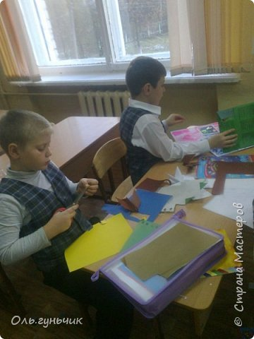 Вот накопились работы моих учеников, показываю))) Вот таких котяток из гофрированной бумаги сделали четвероклашки. Спасибо за идею Ольге: https://stranamasterov.ru/node/123563 фото 18