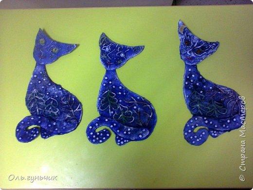 Вот накопились работы моих учеников, показываю))) Вот таких котяток из гофрированной бумаги сделали четвероклашки. Спасибо за идею Ольге: https://stranamasterov.ru/node/123563 фото 5