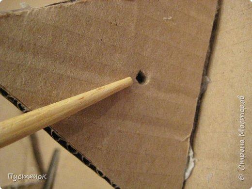 Здравствуйте все !  С прошлого года остался фотоматериал по изготовлению елочек-пирамидок-топиарчиков.    А я их  не показала из-за отсутствия хороших фотографий готовых пирамидок. Но подумала и решила всё-таки выставить МК, ведь главное в МК не демонстрация конечного результата (хотя и это тоже важно), а сам процесс изготовления.  фото 15
