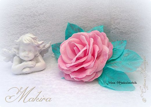 Розовая роза - заколка из фоамирана.