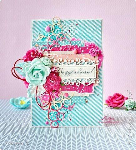Привет! Яркая открытка для поздравления. Скрап бумага, вырубка, чипборд, цветы, ткань, дотсы, паста через трафарет, тычинки, стразы. фото 1
