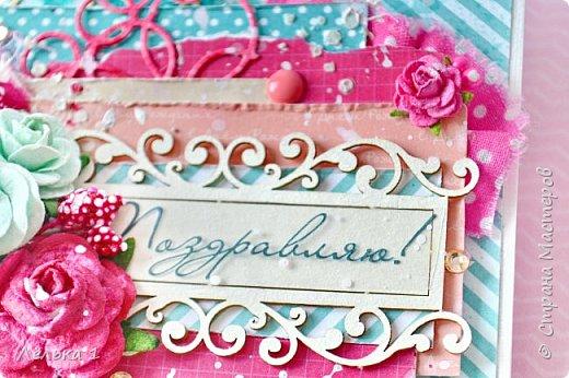 Привет! Яркая открытка для поздравления. Скрап бумага, вырубка, чипборд, цветы, ткань, дотсы, паста через трафарет, тычинки, стразы. фото 4