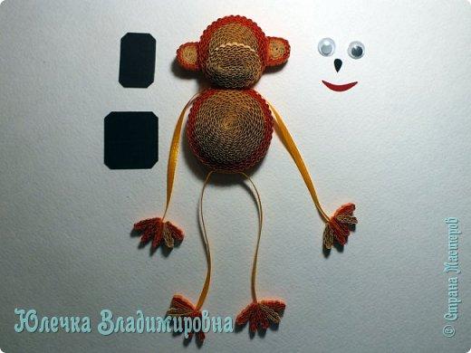 Новый год к нам мчится! Знакомьтесь, хозяйка наступающего года - Озорница-обезьянка! Предлагаю мастер-класс для начинающих и желающих попробовать себя в работе с интересной техникой - гофроквиллинг. фото 29