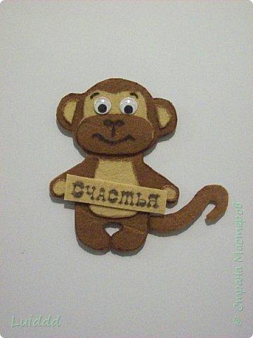 Доброго времени суток, жители страны мастеров! Уже какую неделю наблюдаю нашествие хвостатых обезьян на нашем сайте и вот теперь хочу предложить свой вариант обезьянки- магнита. Мне надо было придумать простой и быстрый вариант изготовления, чтобы могли справиться дети. фото 7