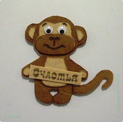 Доброго времени суток, жители страны мастеров! Уже какую неделю наблюдаю нашествие хвостатых обезьян на нашем сайте и вот теперь хочу предложить свой вариант обезьянки- магнита. Мне надо было придумать простой и быстрый вариант изготовления, чтобы могли справиться дети. фото 1