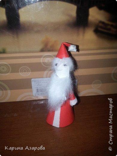 Здравствуйте! Придумала вот такого Деда Мороза. Сам он маленький может 7 см..