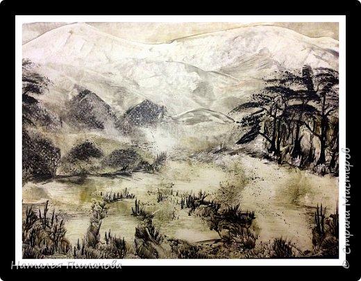 """Картины выполнены по мотивам японской монохромной живописи суми э. Живопись суми-э - искусство, которое возникло в Китае во времена династии Сун. В XIV веке оно проникает в Японию. Что это за искусство, можно понять из самого названия: слово суми-э представляет собой соединение двух японских слов, которые в переводе означают """"тушь"""" (суми) и """"живопись"""" (э). То есть суми-э - это тип монохромной живописи, похожей на акварель. А я, уж извинят меня японские художники, попробовала нарисовать картины воском и утюгом.  фото 2"""