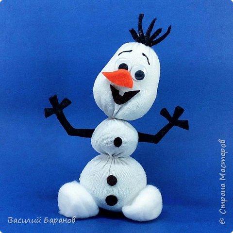 356660_mehtm8u-c3q Снеговик своими руками: 7 мастер-классов и 40 фото поделок || Класс Снеговик Олаф из носка в рукодельной энциклопедии Pro100hobbi