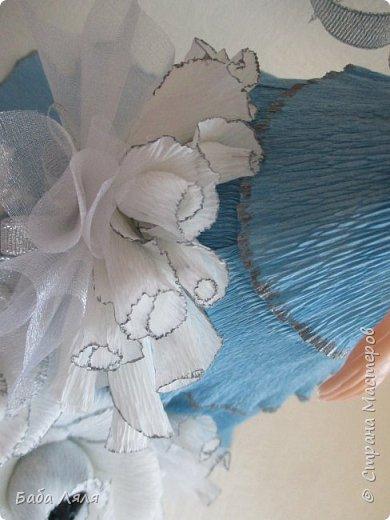 Кукла БАРБИ в голубом платье с букетом сладких роз на платье . фото 6