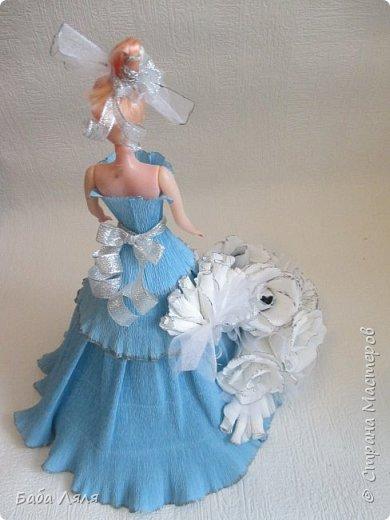 Кукла БАРБИ в голубом платье с букетом сладких роз на платье . фото 8