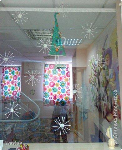 Очень простой вариант изготовления снежинок для декора интерьера. фото 9