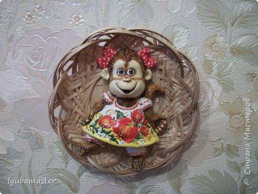 """Здравствуйте дорогие мастера!!!!!! Налепилась у меня тут целая стая обезьян ))))))) . Надеюсь понравится. Размер от 6,5 см до 8,5 см. Краски все те же - акрил, акварель. Лак """"BOSNY"""", аэрозольный."""