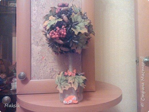 Ребенку в садик на конкурс осенних поделок родилось такое дерево-из природных материалов..  только листики-тряпичные))и лисичка-покупная,из фетра.. фото 1
