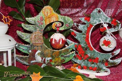 Мастер-класс Поделка изделие Новый год Декупаж Моделирование конструирование Как я делала елки  Бумага Бумага гофрированная Картон Клей Краска Ленты Материал природный Салфетки фото 1