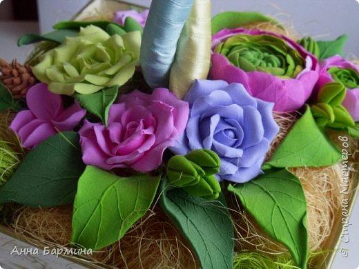 Работа выполнена на заказ. Все цветочки вылеплены моими руками. Высота 50 см.,ширина кроны 22 см. Фактуру листикам придавала с помощью самодельного молда. Фото с разных сторон. Приятного просмотра))) фото 2