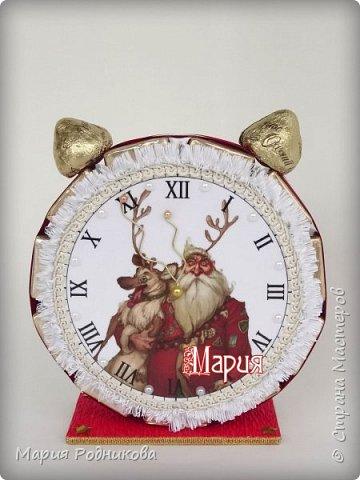 Ура! Ура! Новый год совсем скоро! Доделала партию будильничков, скорее всего, это последние часики в этом году. Нужно успеть сделать еще кучу всего!  Моя любимая новогодняя картинка)) фото 4