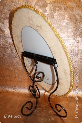 Добры день, всем! Попросила меня подружка сделать к зеркалу рамочку. Я выполнила её просьбу в известной технике пейп- арт! фото 9