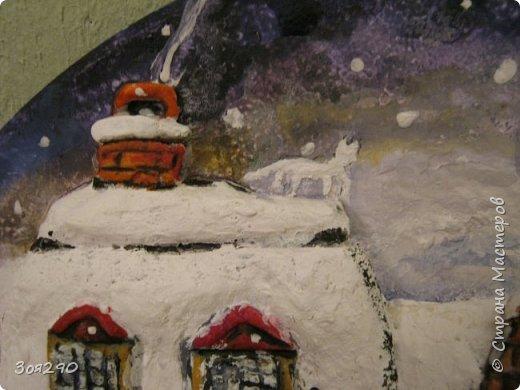 Зима снегами вьюжится С утра и дотемна. Снежинки вьются, кружатся  У нашего окна. фото 5