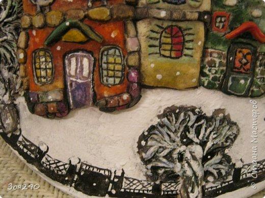 Зима снегами вьюжится С утра и дотемна. Снежинки вьются, кружатся  У нашего окна. фото 7