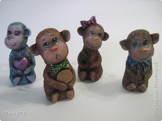 Здравствуйте,дорогие мастера и мастерицы!У меня появилась вторая(не последняя) семейка обезьянок,вполне себе таких упитанных,в отличии от предыдущих стройняшек :) http://imgsm.ru/img4/i2015/11/12/390083_img_1367.jpg  фото 9