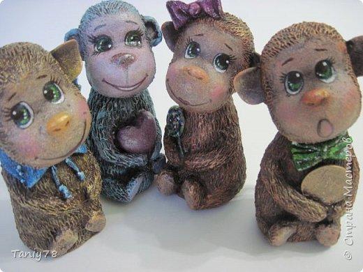 Здравствуйте,дорогие мастера и мастерицы!У меня появилась вторая(не последняя) семейка обезьянок,вполне себе таких упитанных,в отличии от предыдущих стройняшек :) http://imgsm.ru/img4/i2015/11/12/390083_img_1367.jpg  фото 1