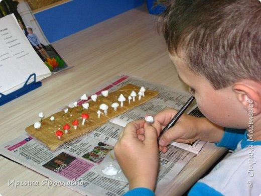 Осенью в школе сыну дали задание сделать поделку из природного материла. Решили делать избушку с Бабой Ягой, затем к ней присоединилась и Кикимора) фото 6