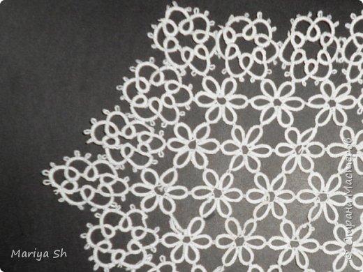 Салфетка сплетена в технике фриволите. фото 5